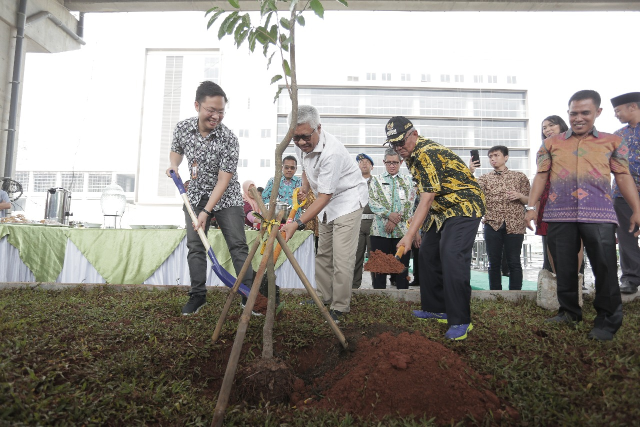 LRT Jakarta Gelar Seribu Beton Sejuta Pohon