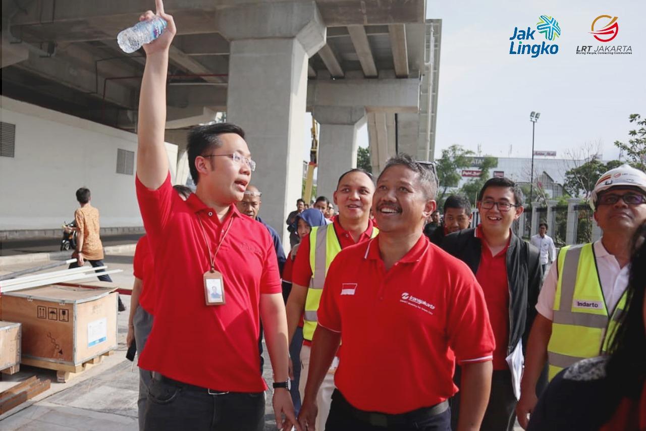 Dua Direktur Tinjau Pembangunan LRT Jakarta